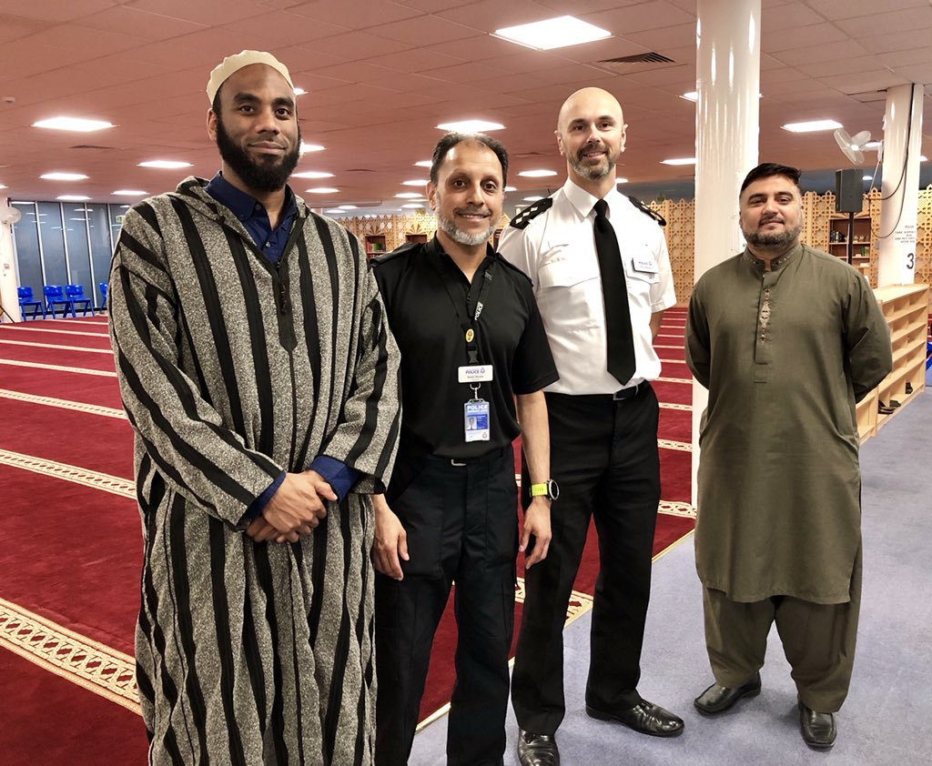 oldham muslim The oldham muslim centre will be taking part in the oldham community run in partnership with human aid uk mosques and institutes across oldham have come together to run in solidarity with the oppressed of syria.