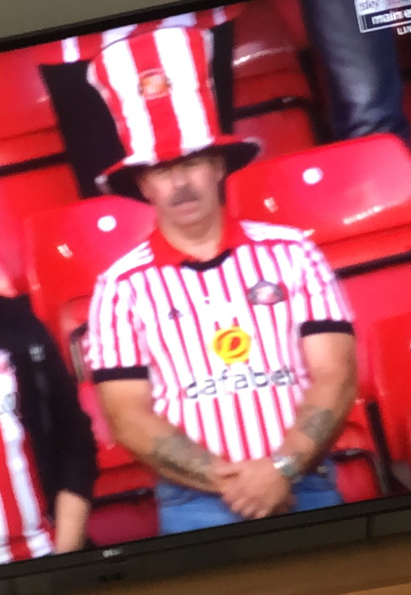 What you doing tonight pet?   Sheffield Wednesday in the cup, pass me my hat darling <br>http://pic.twitter.com/I9Bd9CId5r
