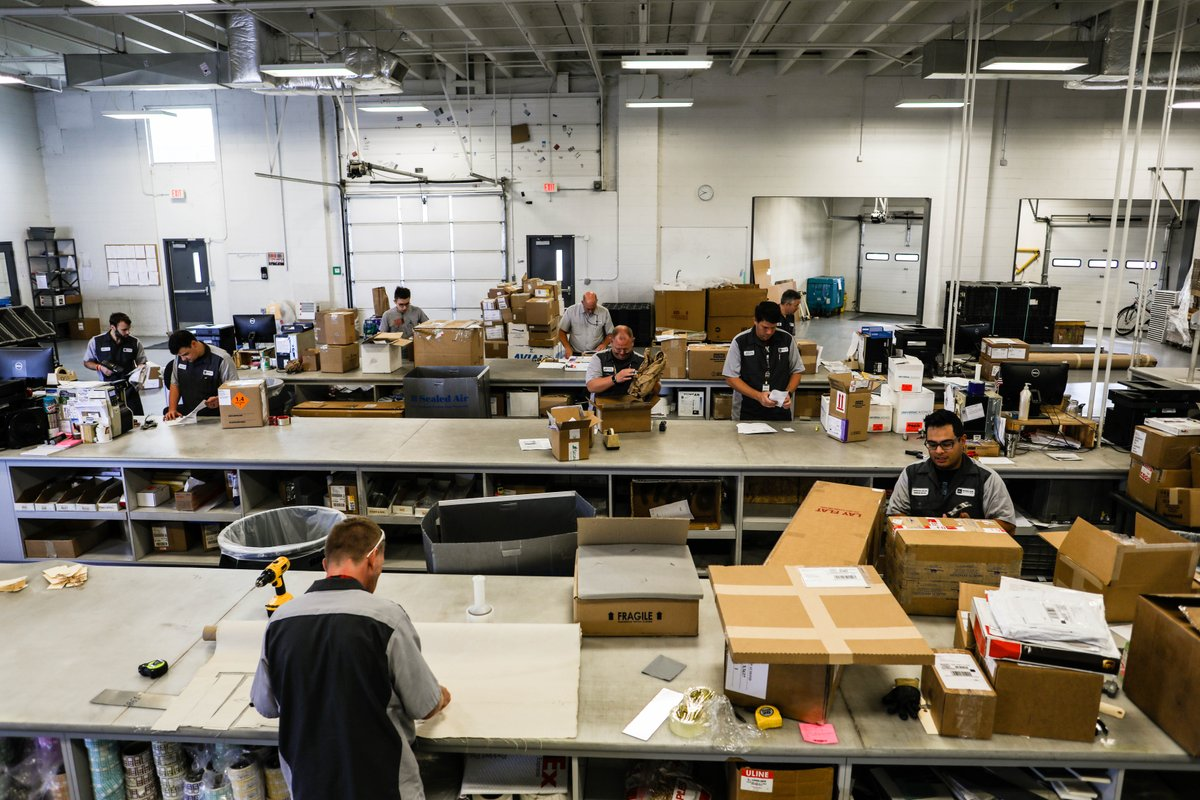 Here&#39;s our shipping and receiving team hard at work on a typical Wednesday. If you are sending anything to us, these guys handle it! They are that good.  #bizav #bizjet #ship #bizavwork<br>http://pic.twitter.com/MuvcA1cjvc