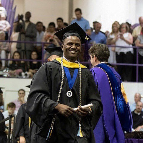 Congrats to Spring 2018 MS graduate Donlad Akanga for winning the Phi Kappa Phi Honor Society Spring 2018 Graduation Photo Contest. Donald will start a PhD program in Geography at Michigan State University. Thanks for putting #UNA on the map. #unageo #UNACOAS<br>http://pic.twitter.com/Ln0vm9dN8X