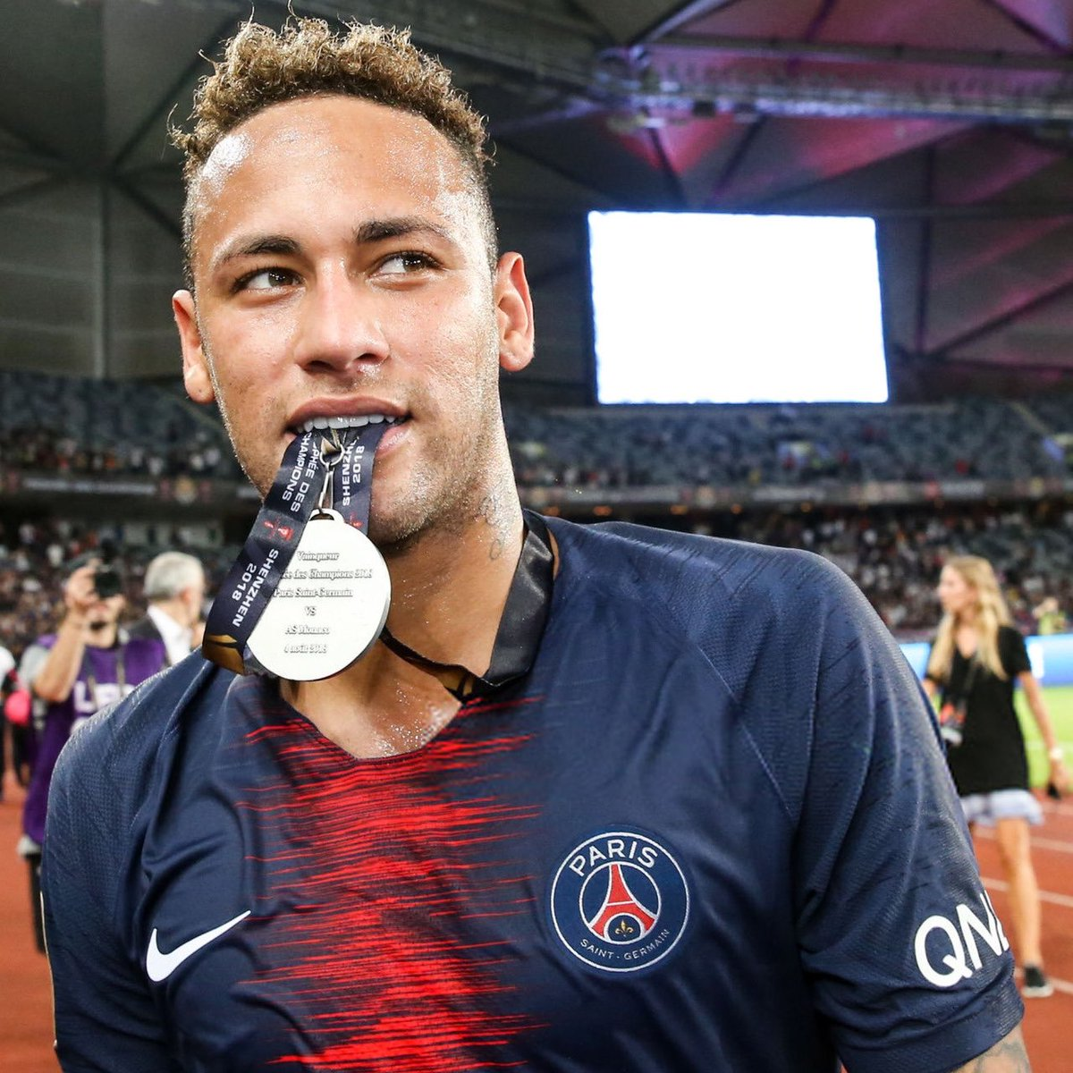 Let&#39;s Settle This Once And For All ..  Like For @neymarjr  Retweet For @KMbappe<br>http://pic.twitter.com/UWs6Kr7iAs