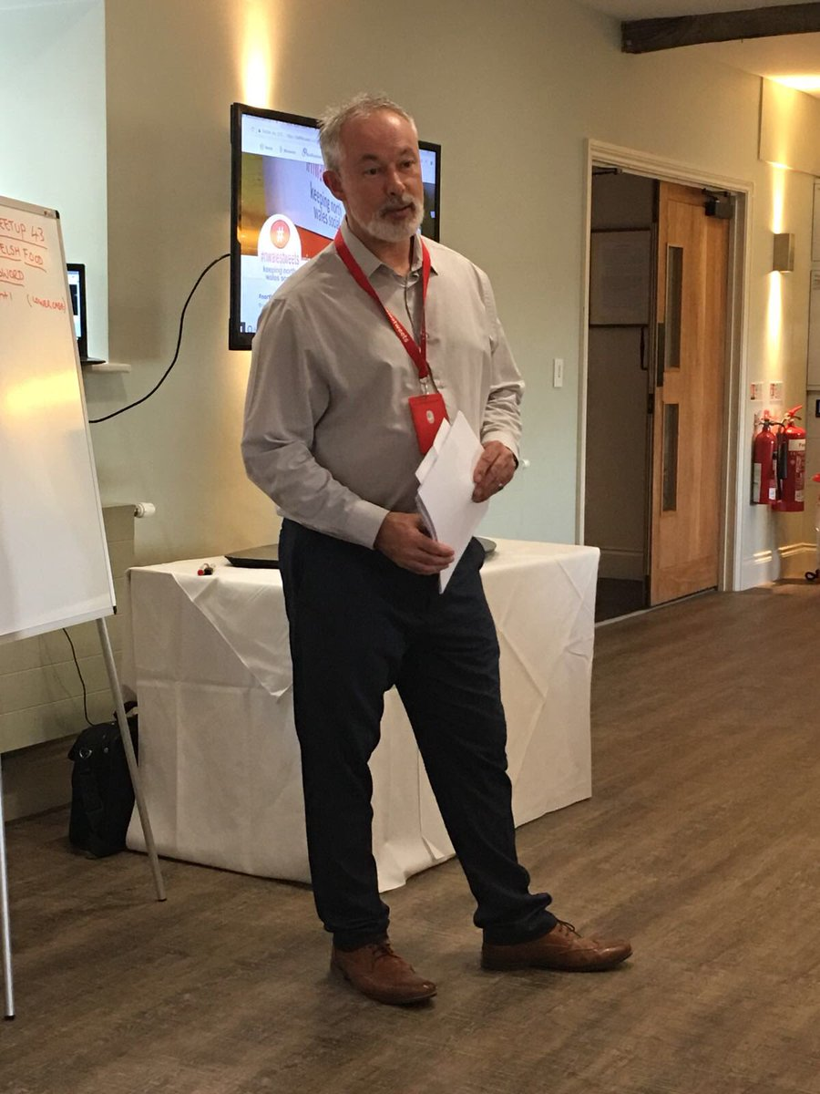 If you need some twitter education before you venture onto #nwaleshour , our own @Social_NWales can deliver a session to suit your time and pocket #TwitterTips <br>http://pic.twitter.com/8RwBBe6aVC