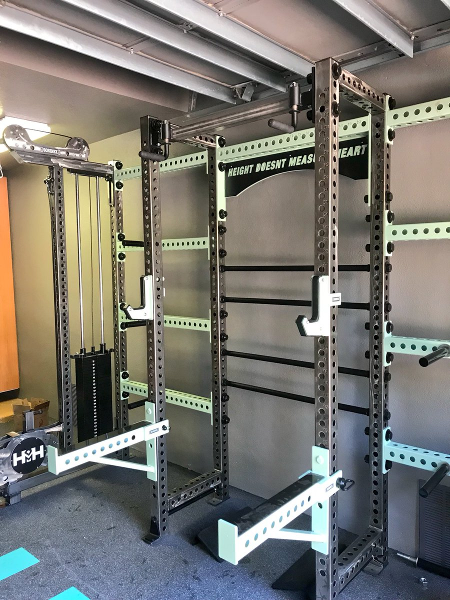 Years in the making my powerlifting garage gym homegym