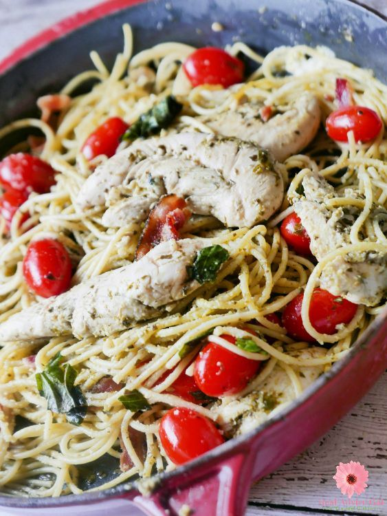 Quick and yummy #dinner chicken, pesto, and spaghetti #recipe https://t.co/sucLc1Xnzr https://t.co/RusLnvyTmu