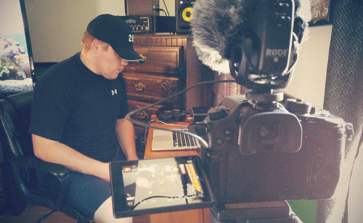 Shooting a scene on the Panasonic GH4 with 2 Hitta on a promo video in this behind the scenes photo  https://www. maskedfilms.com  &nbsp;   #videocontent #videoproduction #filmmaker #GH4 #4KVideo #filmproduction<br>http://pic.twitter.com/UECuwI7sCp