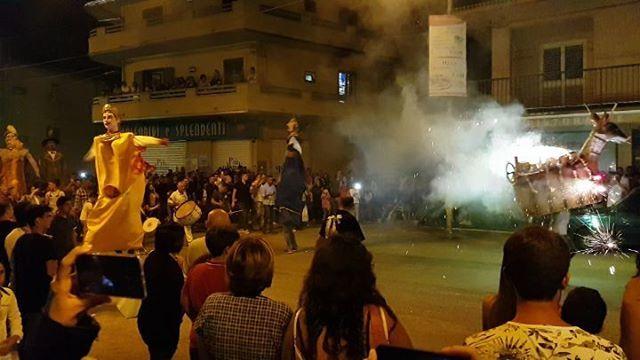 """Il ciuccio  e i giganti #Melicucco #Festa #SanRocco"" - Instagram: https://ift.tt/2nLhAu8  - Ukustom"