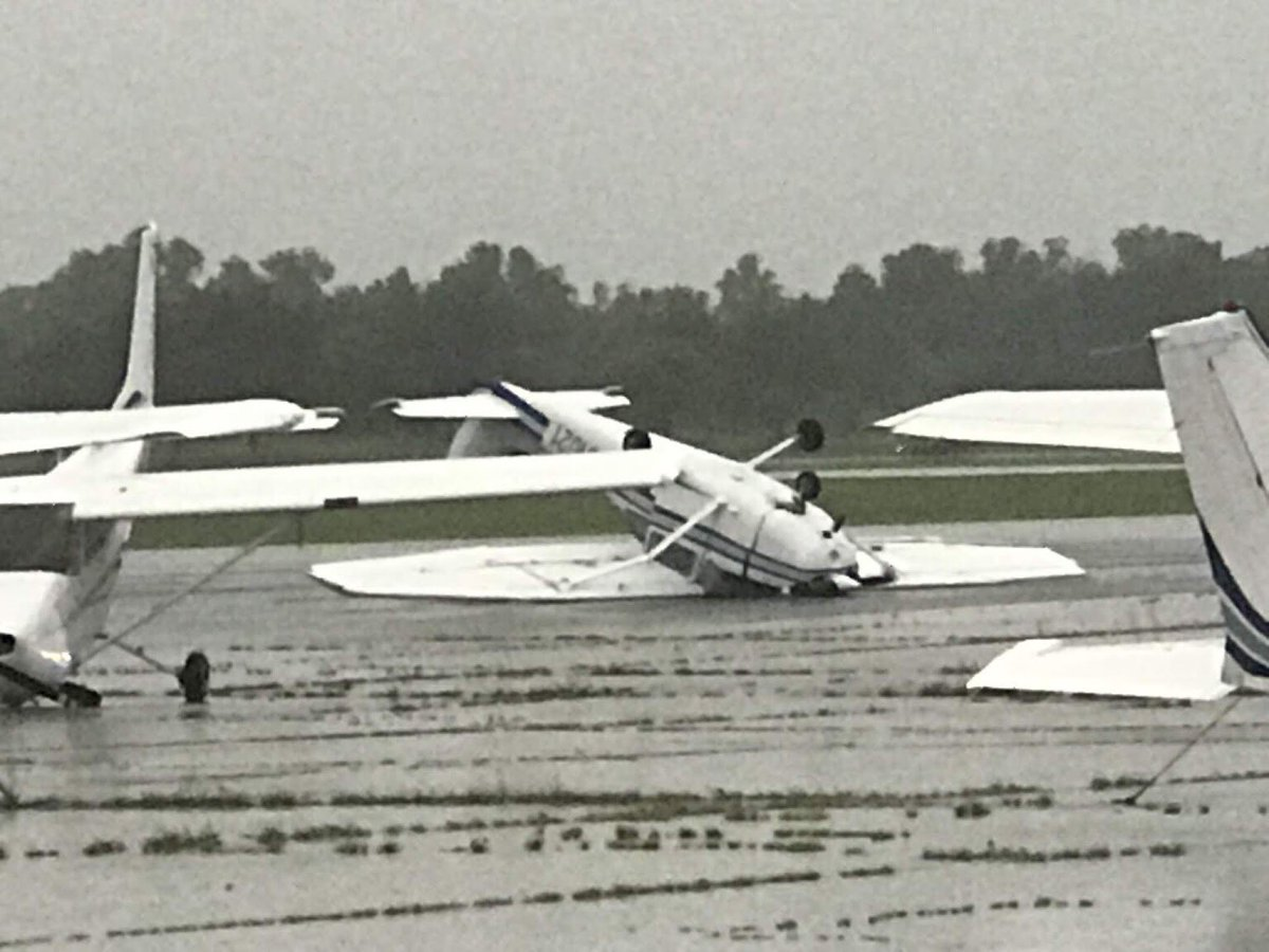 Cessna flipped over at the Jenks Riverside Airport due to 60mph+ winds. Plane was parked. #okwx<br>http://pic.twitter.com/lKbuhqoGwy