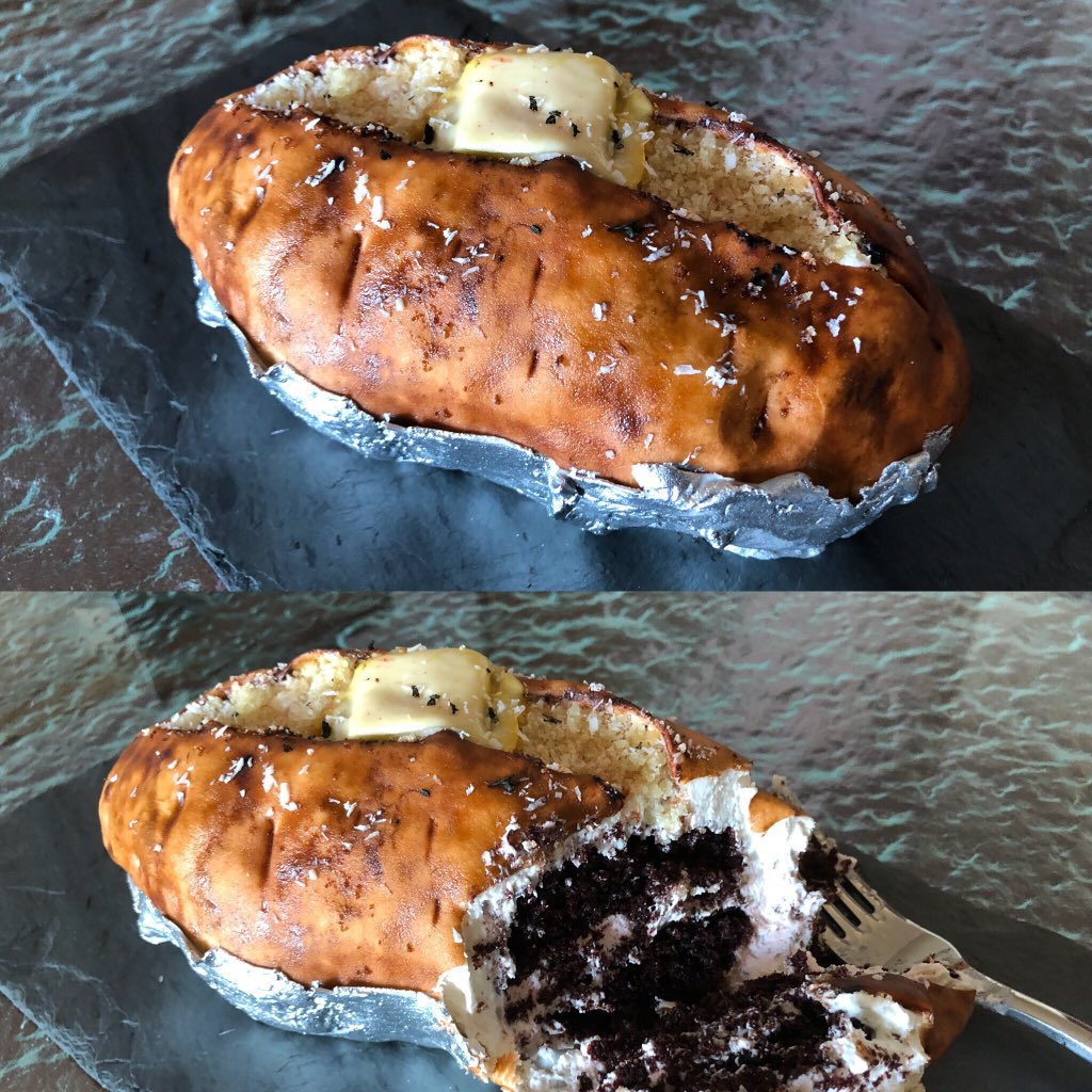 Shout out to the @RitzCarlton in #Sarasota &amp; manager - who heard me on the @joerogan podcast talking about how I ate baked potatoes to kickstart my weight loss. When I checked in 10 days ago, I found this treat waiting: a vegan chocolate cake designed to look like a baked potato!<br>http://pic.twitter.com/Nv7R2K3MdH