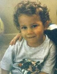 Am I the only one that thinks Valentina looks like her Uncle Nick? @nickjonas @kevinjonas<br>http://pic.twitter.com/EperFfyw40