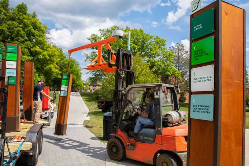 BLOG: From new wayfinding signs to entirely new schools, find out how campus has improved over the summer in our latest blog!  http:// ow.ly/FegP30lqVRu  &nbsp;   #HomeSweetBing<br>http://pic.twitter.com/CqQAK6pZ8J
