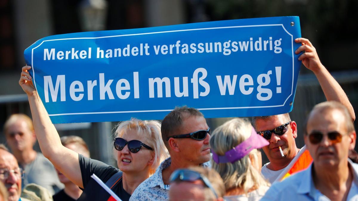 Kanzlerin Merkel hofft auf konstruktive Kritik – und wird beleidigt https://t.co/9kuQOkfUqY