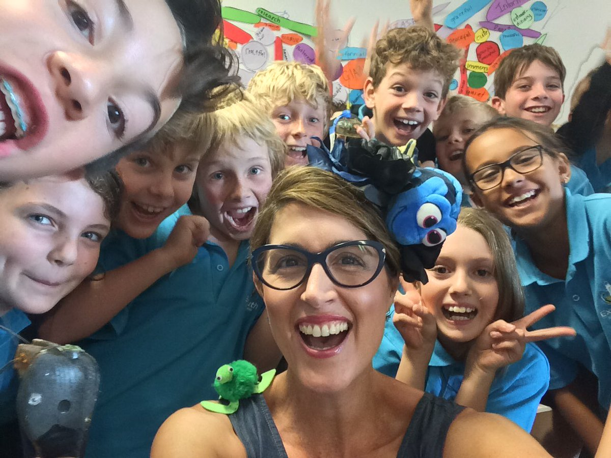 Sea-ing these smiles for #science in #schools is why I do what I do! #scienceweek Remember that #Art is science made clear &amp; #imagination &amp; #creativity can change the world!  #changemakers #STEMStories  http://www. drsuepillans.com  &nbsp;  <br>http://pic.twitter.com/y4Fdj0MMJk