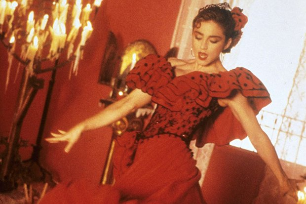 Did you know @Madonna's 'La Isla Bonita' was originally intended for Michael Jackson? Revisit the pop gem here: https://t.co/CW6OzInBUy
