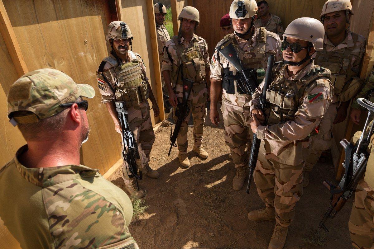 جهود التحالف الدولي لتدريب وتاهيل وحدات الجيش العراقي .......متجدد - صفحة 3 Dkwz1l5VAAAnGG0