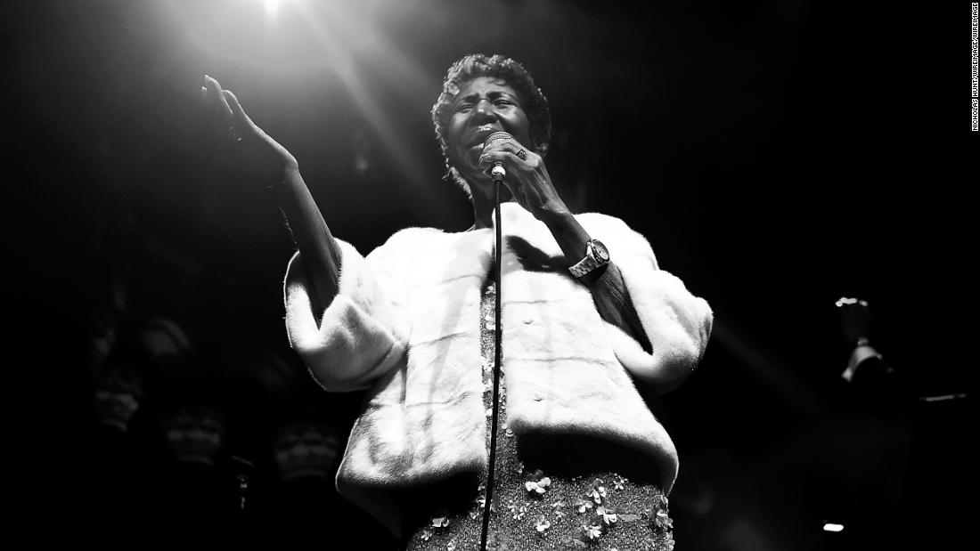 Politicians are mourning the loss of legendary singer Aretha Franklin cnn.it/2PhAZPM