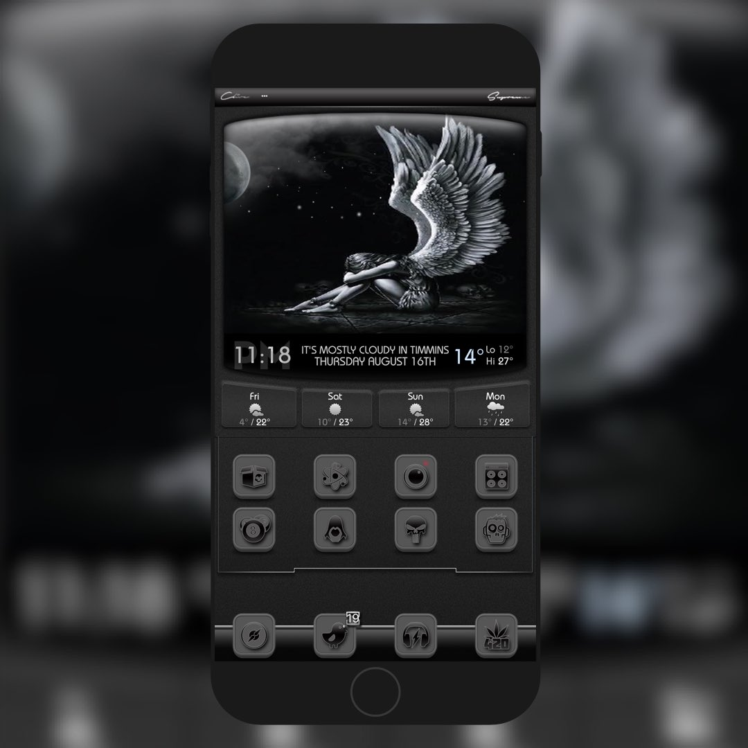 BLQ @Ecko666 UniAW @era4ser StBar @yofatpapa AE mod me of Noki by @FIF7Y Badge @Ecko666 TYVM This Theme is Amazing Icons Well Thought Up AE&#39;s Great Colors It&#39;s Simple &amp; Intricate at the Same Time. Bravo @Ecko666 &amp; Thank You<br>http://pic.twitter.com/UWXlPqyRiW
