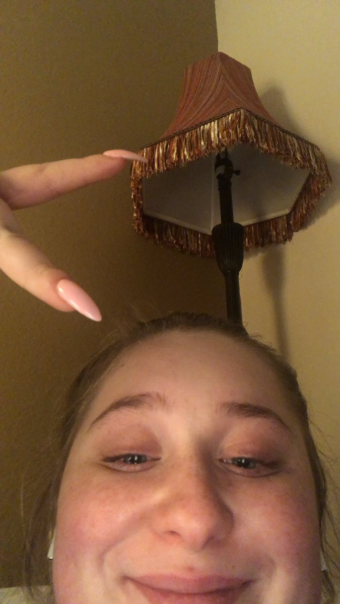 i just finished breathin. i'm in TEARS. ignore my pimples ):