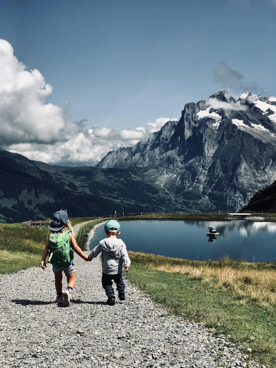 Accompany the cow Lieselotte and her friends on their very first hike in the Bernese Oberland http://bit.ly/Lieselotte_engl  Grindelwald with children - there is a lot to discover! #grindelwald #jungfrauregion #madeinbern #inLOVEwithSWITZERLAND  @JungfrauRegion  @