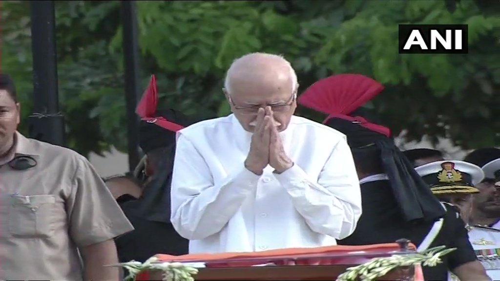 Senior BJP leader LK Advani and BJP President Amit Shah pay last respects to former PM #AtalBihariVajpayee at Smriti Sthal