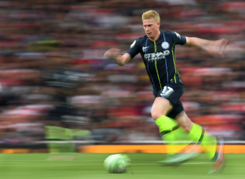 We can confirm @DeBruyneKev has suffered a lateral collateral ligament (LCL) lesion in his right knee.  No surgery is required, and the midfielder is expected to be out for around three months.  Get well soon, KDB! #mancity