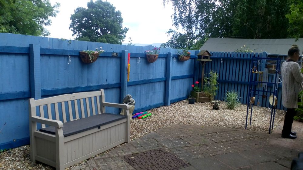 Service users on Community Payback have helped to revitalise the sensory garden at Fiennes House, a purpose-built residential home in #Somerset for adults with learning disabilities, complex needs, autism and behavior which may be challenging -  http:// ow.ly/qCvo30lozuV  &nbsp;   @SeeAbility<br>http://pic.twitter.com/fYcMCZgqLb
