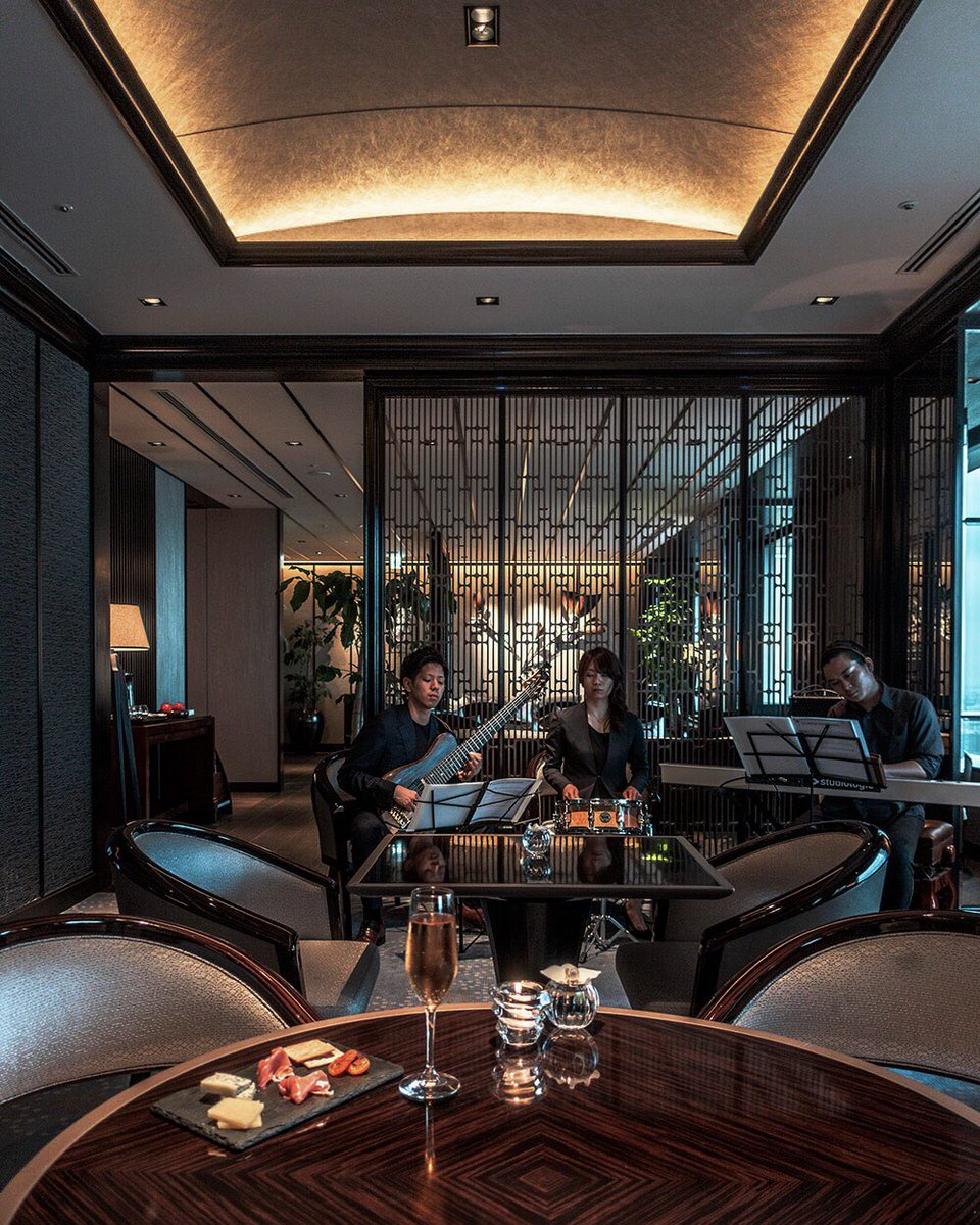 Enjoy a new level of luxury at The Club Lounge with the atmospheric strains of Bossa Nova Jazz live performances filling the air. We look forward to welcoming you soon at @RitzCarlton #Tokyo!<br>http://pic.twitter.com/XqP27jJWYL