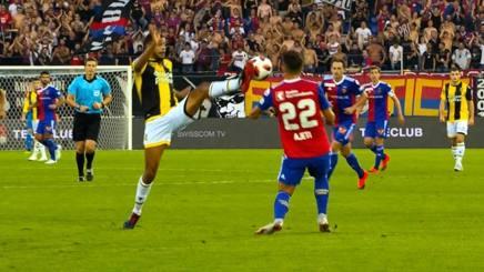 VIDEO #Basilea #Vitesse: piede ad altezza viso, espulso Clarke-Salter #EuropaLeague http://rosea.it/c262bca1VL  - Ukustom