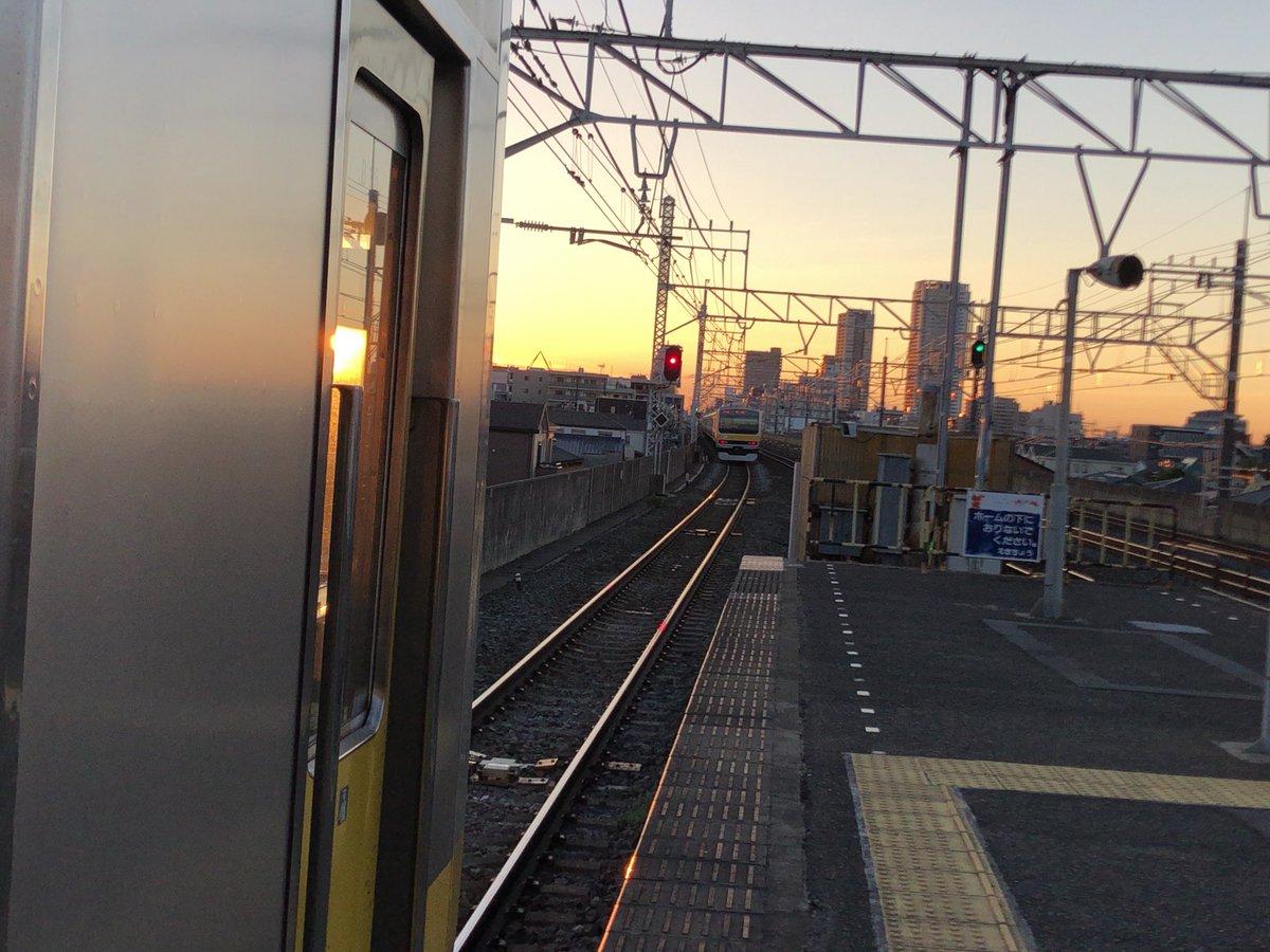 総武線快速の新小岩駅で人身事故の現場の画像