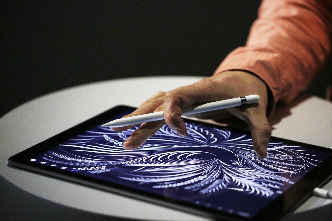 9月に出そうな新型iPhone、やはりApple Pencil対応? #ニュース #アップル #iPhone(2018) https://t.co/B0XFk15lQl