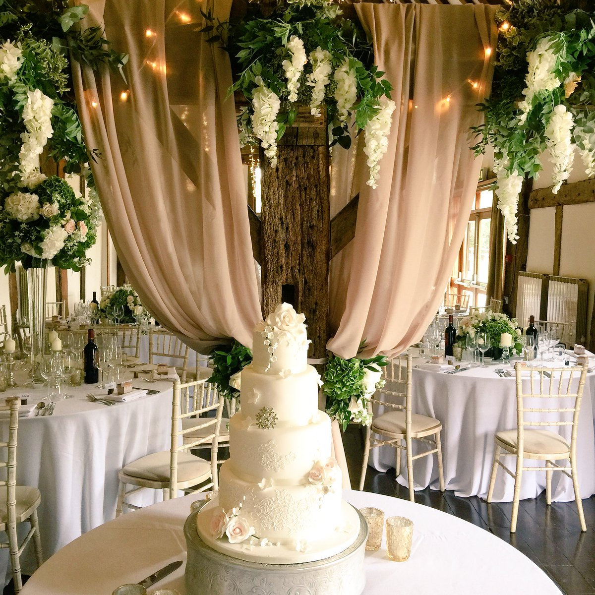 Love the sheer drapes behind this gorgeous cake! #weddingcake #weddingflowers #weddingvenue #weddingflowers #surreywedding #weddingvibe
