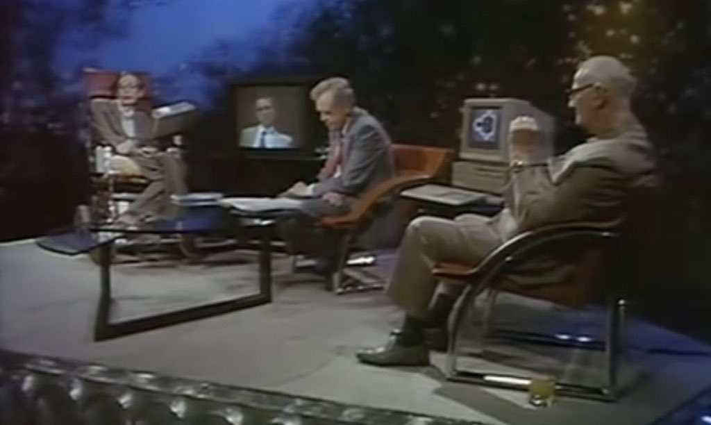 Stephen Hawking, Carl Sagan and Arthur Clarke altogether on stage discussing about the universe and everything else, with an old Macintosh displaying Mandelbrot&#39;s Set. This is when you wish you had a time machine to be there.  https:// youtu.be/HKQQAv5svkk  &nbsp;   <br>http://pic.twitter.com/9dwiM9Wjrp