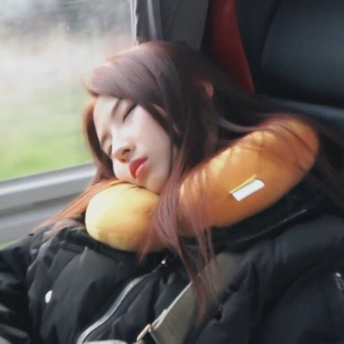 hi, haseul. i have loads of things to say to you, but i guess i&#39;ll start off by saying thank you, for all the hard work, the tears that you shed, and the sacrifices. you&#39;re now about to reach your ultimate dream with your members, and to think that it&#39;s so close to your birthday- <br>http://pic.twitter.com/N3fetRFxrh