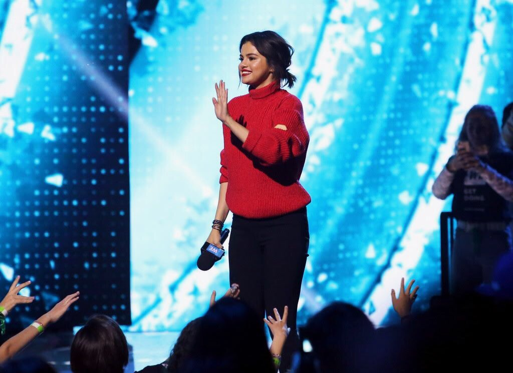 TONIGHT!! Catch Selena at #WEday on @ABCNetwork at 8/7c.<br>http://pic.twitter.com/iE85pkzaiZ