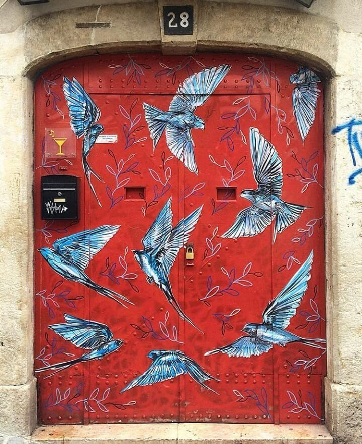 There are doors and there are doors. This mural is by Jacqueline de Montaigne in Portugal.  (Photo by John Spellman) #StreetArt #JacquelinedeMontaigne #Portugal<br>http://pic.twitter.com/UYLpmyKbtx