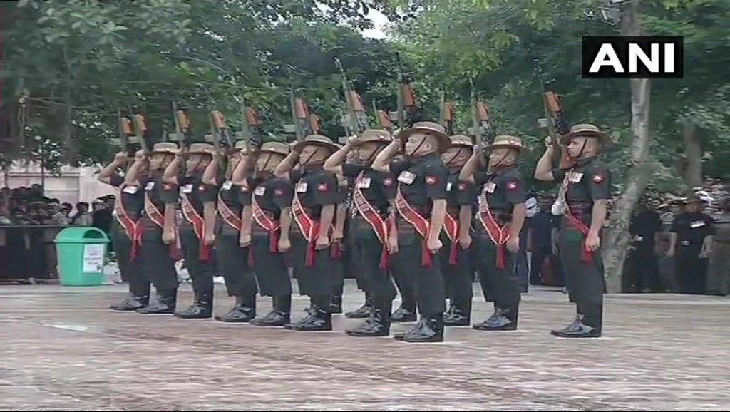 Gun salute accorded to former PM #AtalBihariVajpayee at Smriti Sthal