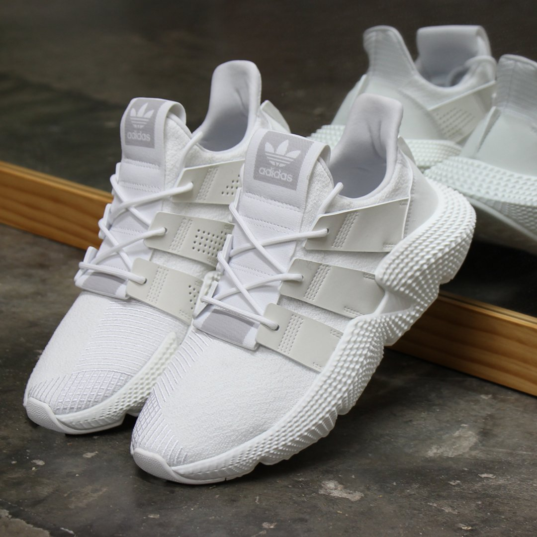 a4ca6d5af514f Shop these and more colours of the style here  http   ow.ly L4yE30lrsYZ   adidas  adidaspropherepic.twitter.com UO5ZMA5HR2