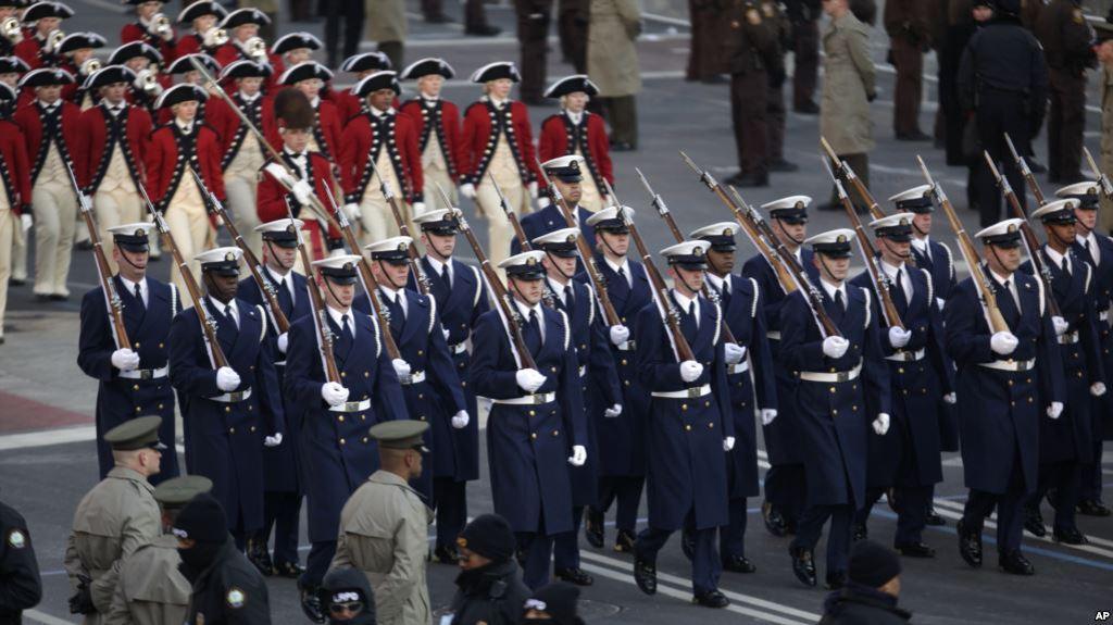 test Twitter Media - El Pentágono posterga el desfile militar de Trump hasta2019 https://t.co/rVamGSs02P https://t.co/Yhwlt29kCj