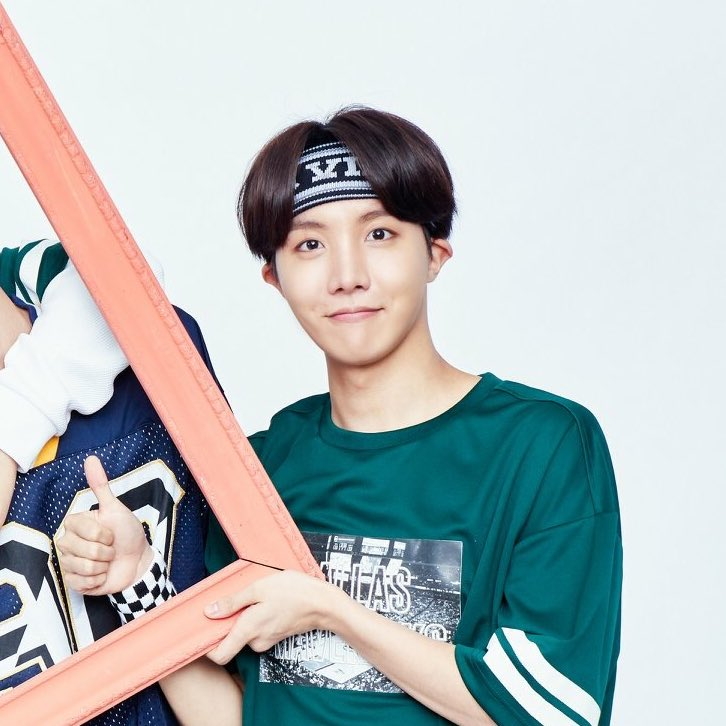 Hobi is that guy where every single thing about him I find attractive, his humour? it's cute, his smile? beautiful, his mind? amazing, his proportions? godly, his hands? pretty, his eyes? captivating, his passion? His skill? Inspiring, Him? Loveable.<br>http://pic.twitter.com/7jHx5CTHte