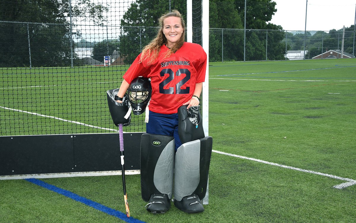 FH: Senior @SHIPfieldhockey goalkeeper Ally Mooney is the 2018 recipient of the Amanda K. Strous Memorial Field Hockey Scholarship. Mooney will don the No. 22 jersey this season.  Be sure to check out a Q&amp;A with Mooney here:  https:// shipraiders.com/news/2018/8/16 /ally-mooney-is-2018-recipient-of-the-strous-memorial-field-hockey-scholarship.aspx &nbsp; … <br>http://pic.twitter.com/MDVPkvyJT4