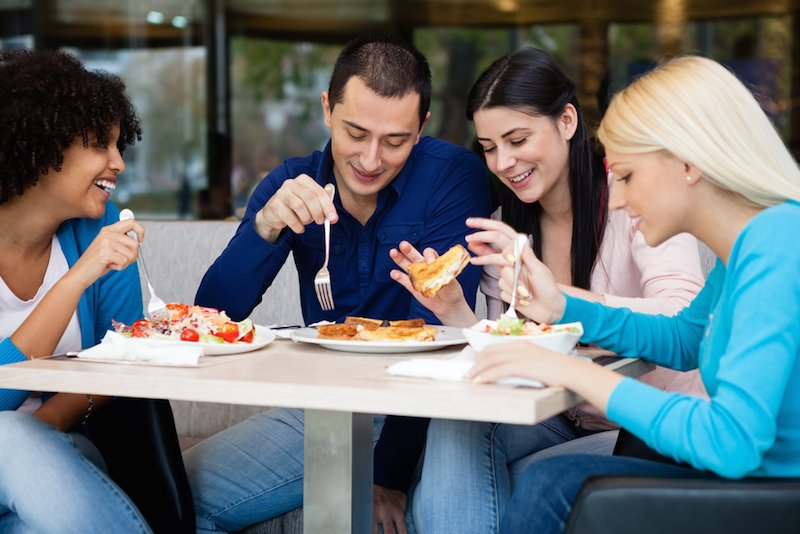 https://www. moneylogue.com/save-on-food-y our-student-discount/ &nbsp; …  Save on Food with Your Student Discount #studentdiscount #studentIDdiscount #Chipotle #burgerking #arbys #buffalowildwings #chickfila #dunkindonuts #papajohns <br>http://pic.twitter.com/VW80BwvhjH