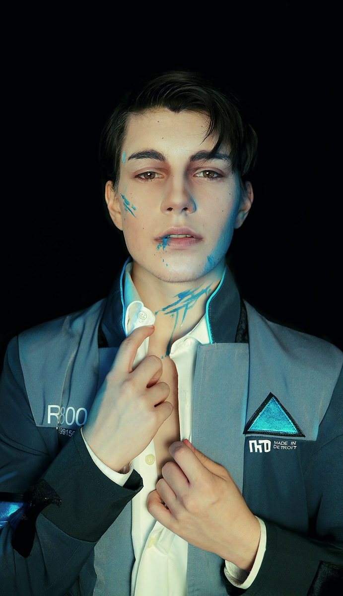 &quot;You can&#39;t kill me, I&#39;m not alive&quot;  Connors makeup was quite difficult for me to do because his facial structure is very different from mine and I&#39;m not used to do makeup for realistic characters, but I tried c:  what do you think?  #DetroitBecomeHuman #Connor @BryanDechart<br>http://pic.twitter.com/JgpxhCIrum