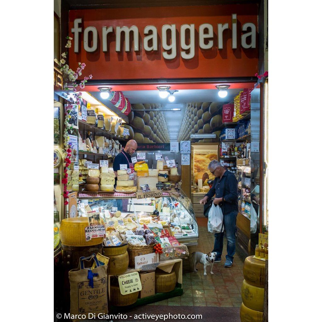 formaggeria, Mercato delle erbe, Bologna#formaggio #mercato #Bologna #Italia #market #streetmarket #cheese #queso #kitchen #cocina #cucina #food #comida #cibo #tradition #tradición #tradizione #documentary #project #fujifilm #x100t #eattheworld #slowfood  - Ukustom