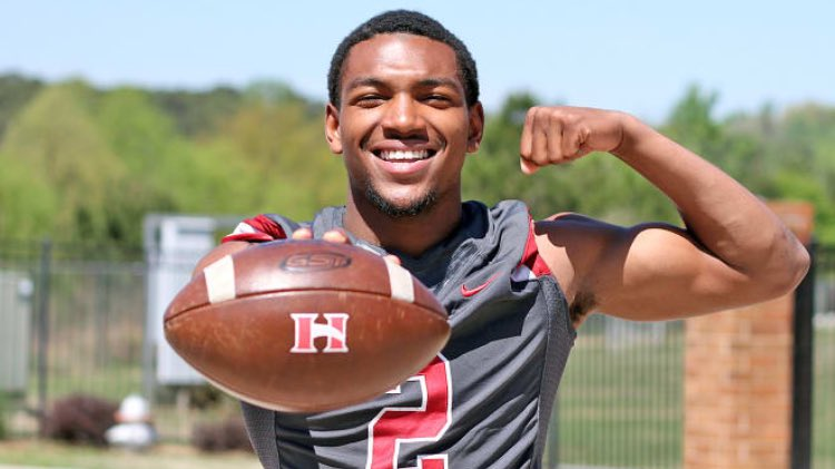 BREAKING: 4 Safety Jaylen McCollough has committed to the #Vols.<br>http://pic.twitter.com/YPJWUXmnDZ