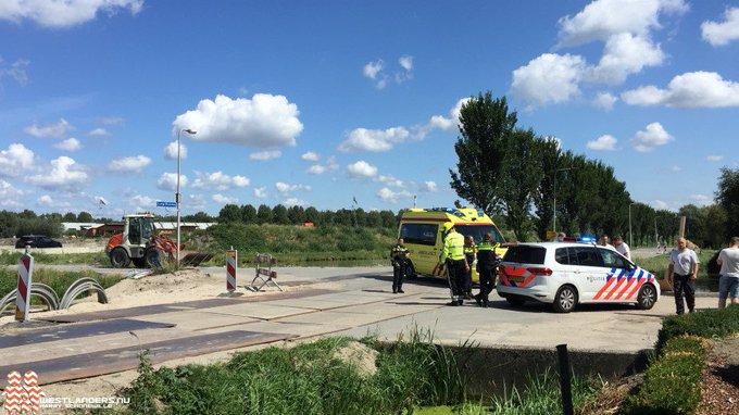 Fietser ernstig gewond na ongeluk Lange Broekweg https://t.co/ThgslGD0gD https://t.co/mmhX849Oqa