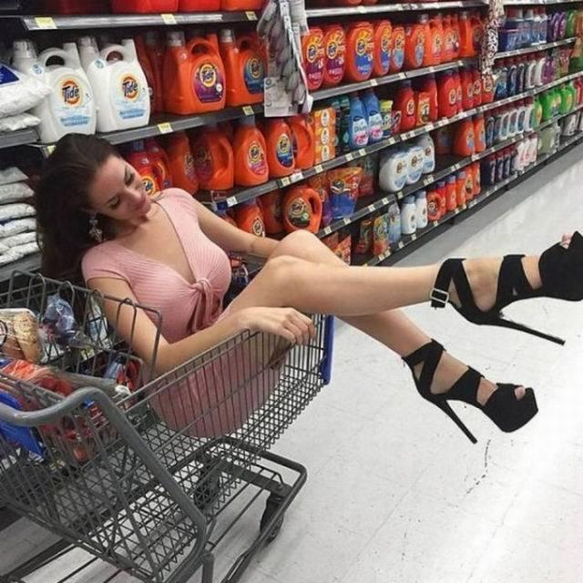Прикольные картинки женщин в магазинах, картинки про школьные