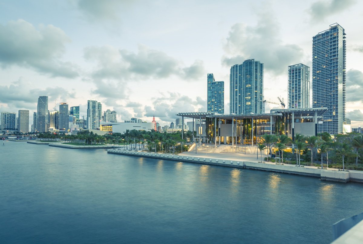 Enjoy a beautiful view of @pamm from the water. Don't forget to stop by to view their contemporary art collection, located only minutes away from #CoconutGrove<br>http://pic.twitter.com/6WyY41d45i