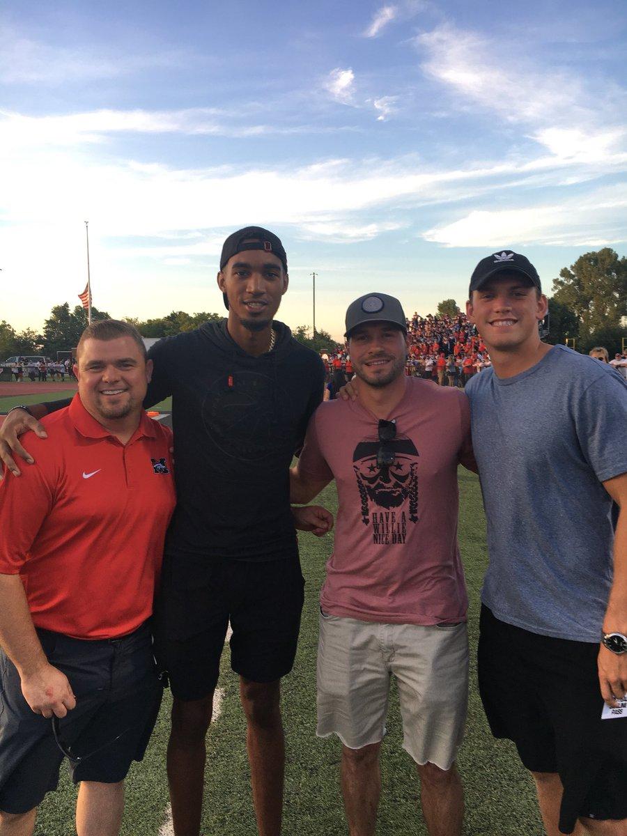Former Bronco Greats @CoachCPrestidge Josh Cooper @CSG_11 and @okcthunder Star @the2kferguson in attendance at the Mustang v. Yukon game