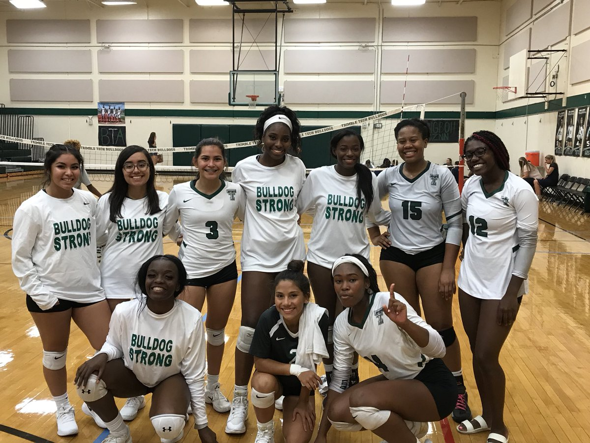 Tech Volleyball takes Lamar in 5 sets! 💚🐾 Lady Bulldogs are 2-0 in district play! #ibeabulldog