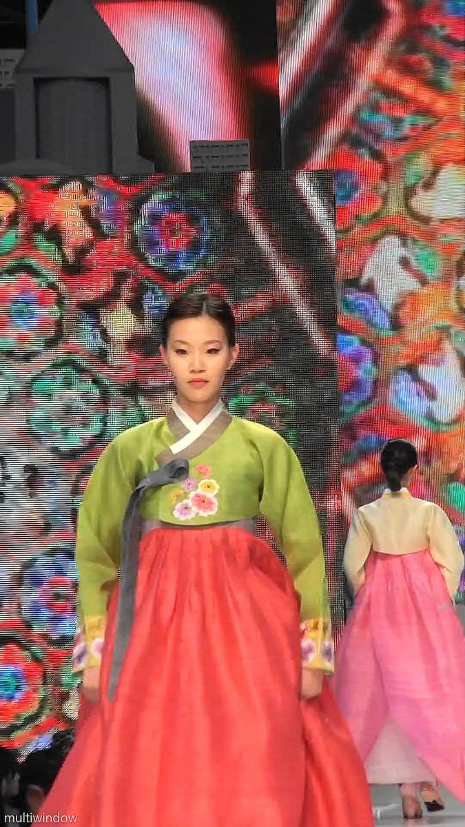 Multiwindow On Twitter Hanbok Is One Of The 10 Representative Outfit Girl Korea Dl Kojxuuaawtbf
