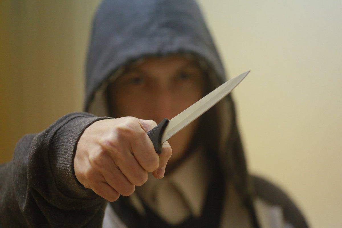 Картинки человек с ножом